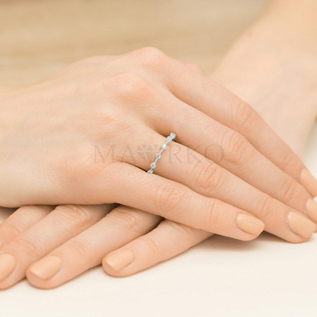 srebrny pierścionek z cyrkoniami marko.pl